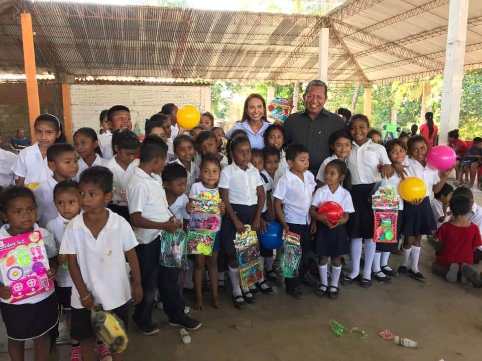 Visitando a niños de Cuaji
