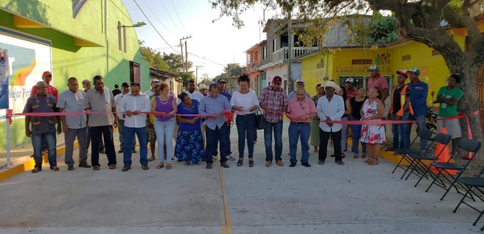 INAUGURACIÓN DE 1.400 MTS DE PAVIMENTACIÓN EN LA COMUNIDAD DE SAN NICOLAS.