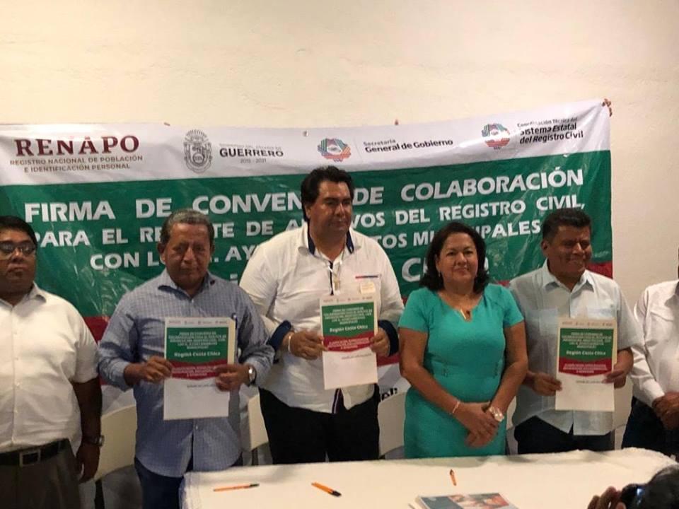 FIRMA DEL CONVENIO RESCATE DE ARCHIVOS MUNICIPALES Y EL RECIBIMIENTO DEL MODULO SIDEA.